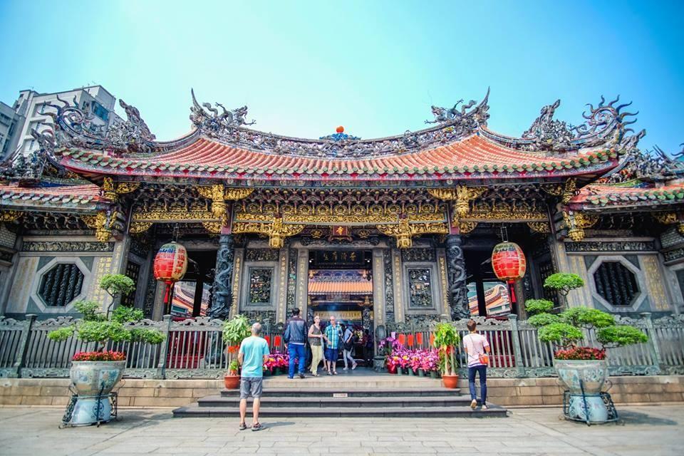 ผลการค้นหารูปภาพสำหรับ Lungshan Temple