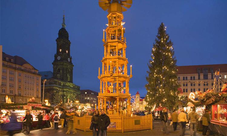 ตลาดคริสมาสต์, เดรสเดน, เยอรมนี